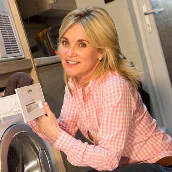 Household Tips with Anthea Turner – #2 How to Maintain your Washing Machine