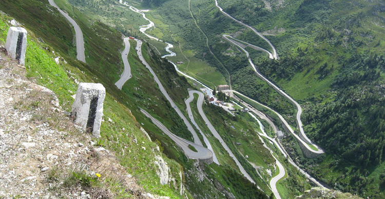 10 of The World's Most Dangerous Roads